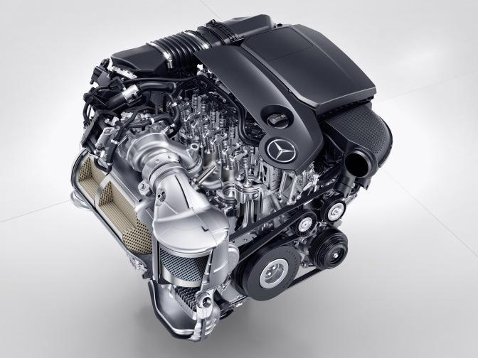 Mercedes Benz Motor 2.jpg