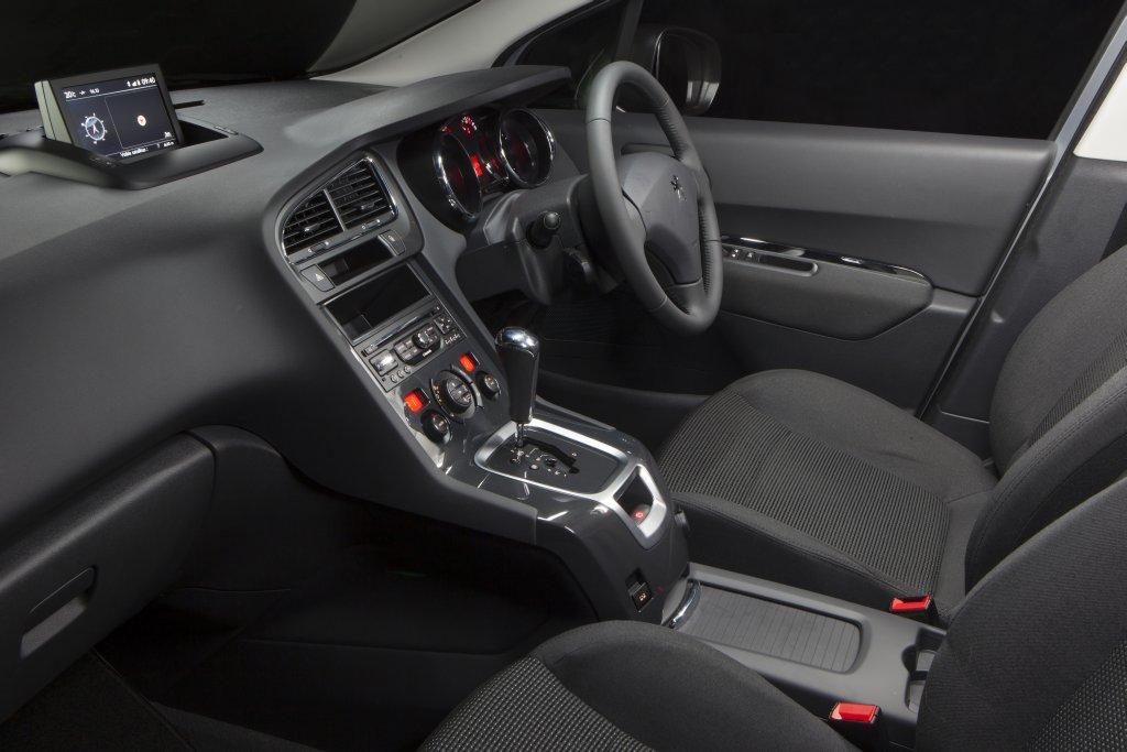 peugeot-5008-interior-13-2.jpg