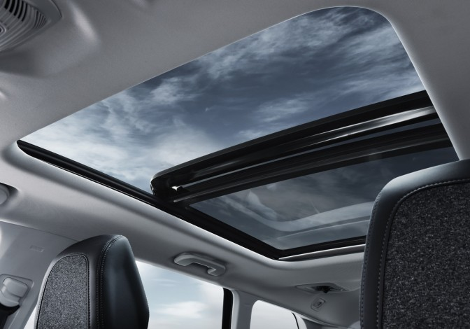 peugeot-new-5008-suv-roof-gallery.110766.17.jpg